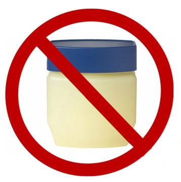 8-Reasons-Against-Petroleum-Jelly-and-What-to-Use-Instead-RealEverything